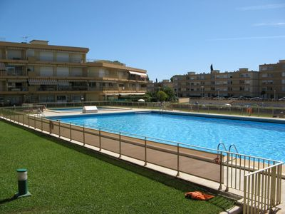 Photo for Mandelieu (Cannes) - Apartment 3P in RDJ - park, swimming pool, private harbor