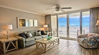 Photo for Newly updated 2 bed/2 bunk/daybed - Seasonal Beach Chair Service!!
