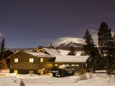 Photo for Centrally Located Mountain Getaway - Minutes From World Class Ski Resorts