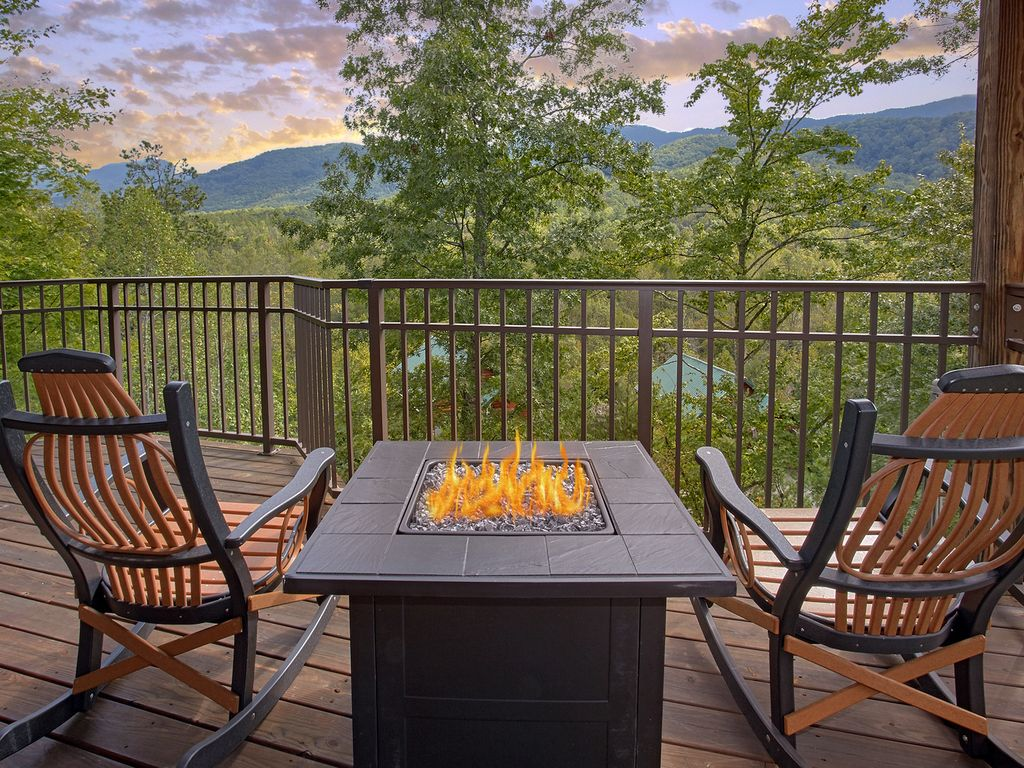 Baita per 2 persone nel gatlinburg 635602 for Cabina di brezza autunnale gatlinburg