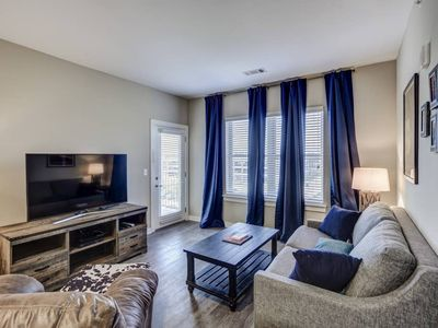 Photo for Walk to Broadway from Cozy Germantown Condo #302