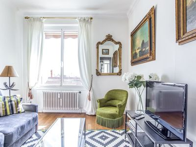 Photo for Charming apartment near Place des Jacobins