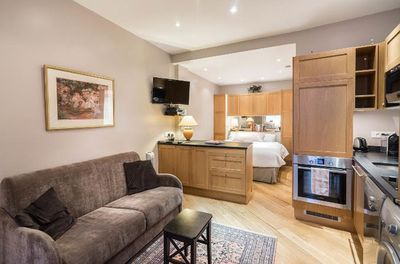 Newly renovated: Luxurious and Comfortable