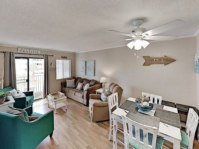 Updated Condo w/ Beach View, Multiple Pools & Hot Tubs - Steps to Beach