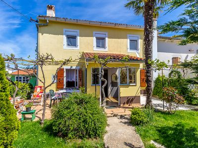 Photo for Cottage with bedroom, bathroom, washing machine, kitchen, WiFi, terrace, barbecue in the original part of Istria