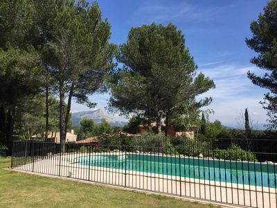 Photo for House-studio with fantastic view and swimming pool, 5 min from Aix en Provence