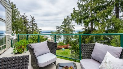 Photo for Stunning ocean views, OUTDOOR HEATED POOL, HOT TUB, TENNIS COURT!