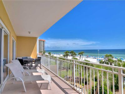 Photo for Large Kitchen Island With Bar-stools And Beautiful Hardwood Floors With Ocean View