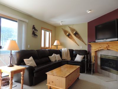Photo for Ski-In/Out to main Lift. Snow Creek Village 3 BR 3 BA. Hot Tub. Walk to village!
