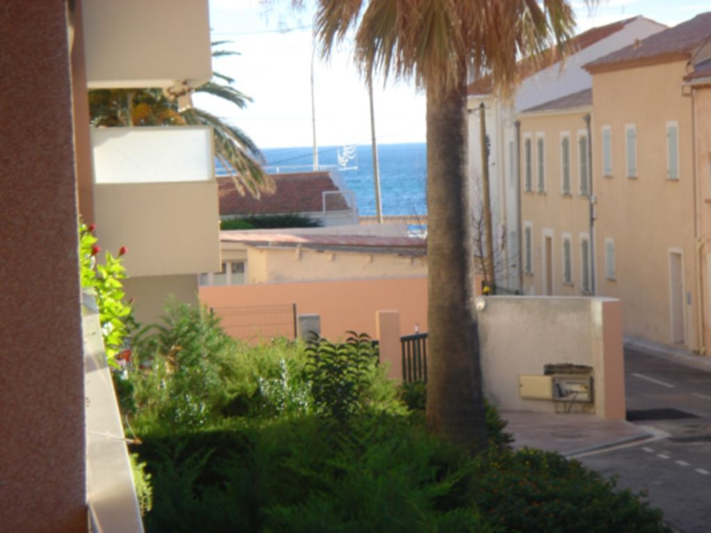 Qualit appartement haut pointe croisette palm beach for Location garage cannes palm beach