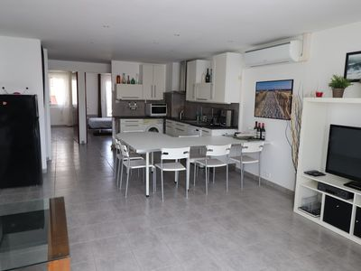 Photo for 3 rooms modern near sea and shops fully equipped with air conditioning, washing machine, ...