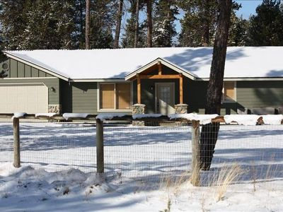 Photo for Just South of Sunriver - Hottub + Pet Friendly