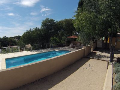 Photo for Typical house - swimming pool - quiet Nîmes hills