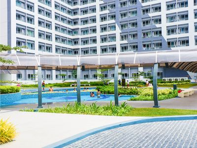 Photo for Cozy Staycation Condo Unit in Manila with pool