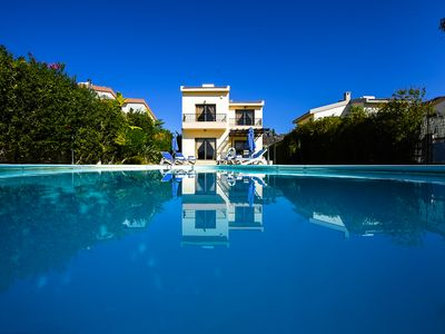 APOLLO Villa. A 3 bedroom luxury villa 200 metres from Pissouri  Bay
