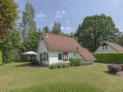 Photo for Bungalow in the holiday park Landal Landgoed Aerwinkel -
