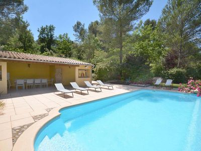 Photo for Nice quiet property in the countryside near the creeks of Cassis, Marseille.