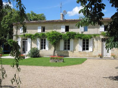 Photo for Bed and breakfast, large bright room in the Bordeaux vineyards South West france