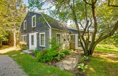 Photo for Higgins Cottage: Walking Distance to Back Beach and Thurston's Lobster Pound