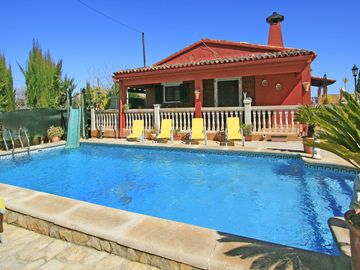 Search 3,052 holiday rentals