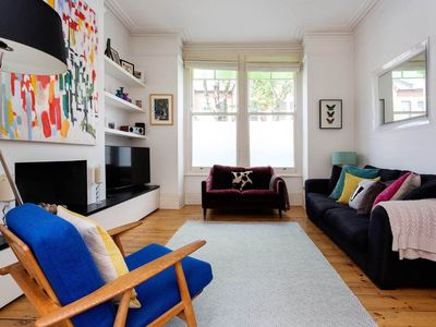 Photo for Wonderful family home with spacious garden - King's Cross in 15 minutes (Veeve)