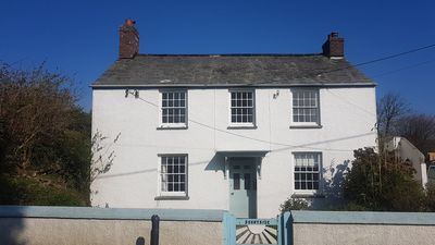Photo for Pretty victorian cottage with loads of character, great for families