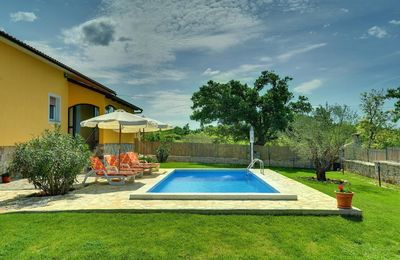 Photo for Beautiful villa with private pool, 3 bedrooms, 2 bathrooms, washing machine, air conditioning, WiFi, terrace, barbecue and volleyball court