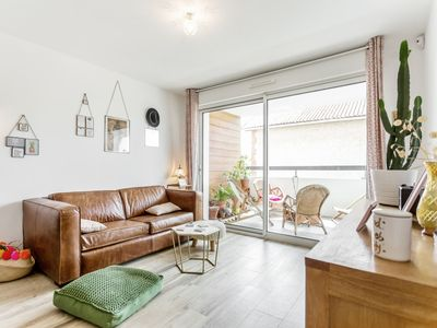 Photo for Flat with terrace close to the beach - W450