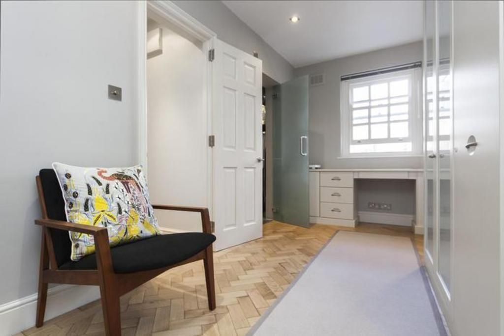 London Home 451, The Complete Guide to Renting Your Exclusive Holiday Home in London - Studio Villa, Sleeps 4