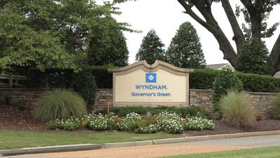 Photo for Wyndham Governors Green. 2 BR Luxury Suite, Modern Kitchen, Resort Amenities.