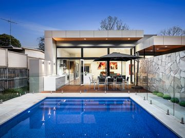 Fairsea Retreat - Pure Luxury with Solar Heated Pool