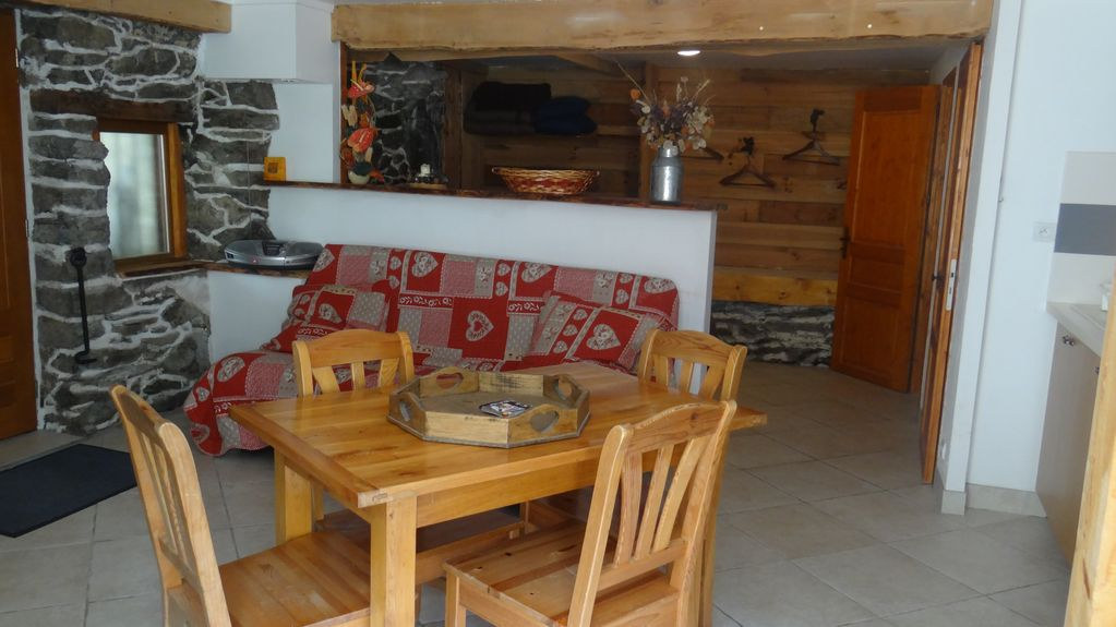 Grand Studio 35 M² 2 / 4 Places 100 m de La Télecabine Maurienne via Val Thorens