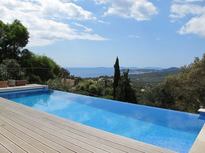 Photo for 4/5 Bed Villa With Infinity Pool And Stunning Sea Views