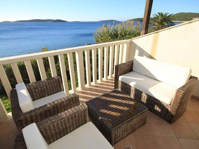 Photo for One bedroom apartment near beach Milna (Vis) (A-8946-a)