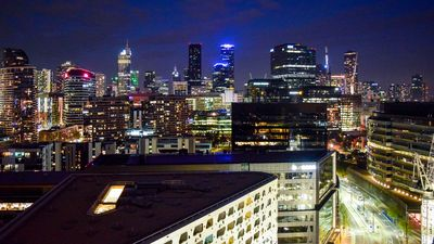 Photo for Luxury Apartment-water & city views+free parking