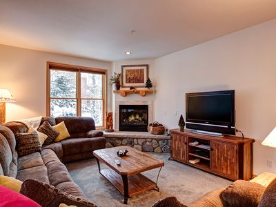Photo for Beautiful Breckenridge condo, Outdoor hot tubs, Two blocks to Main Street, Fitne