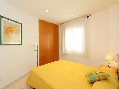 Photo for Apartment in Llançà with Parking, Internet, Washing machine, Air conditioning (88119)