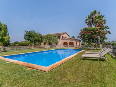 Photo for Typical large farmhouse with private pool and large garden close to the beach