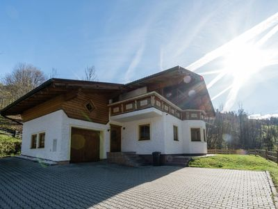Photo for Luxury, detached chalet with private wellness facilities, in beautiful surroundings
