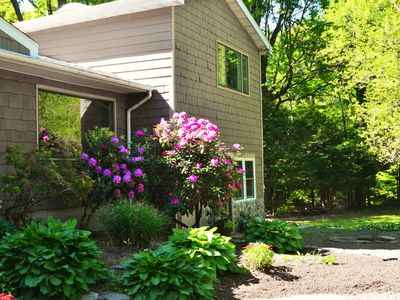 Lovely 1BR 2BATH overlooking the rushing creek, close to Woodstock, Saugerties