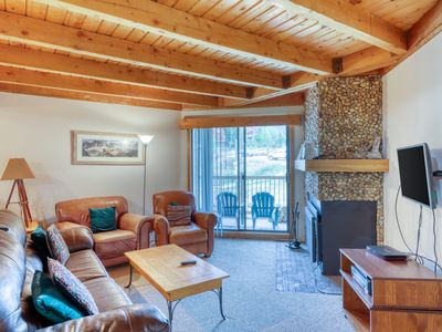 Photo for Stay like a local in Wildernest- Two bedroom condo with awesome clubhouse