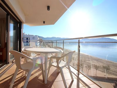 Photo for Very nice apartment on the seafront, stunning views over the bay of Roses.