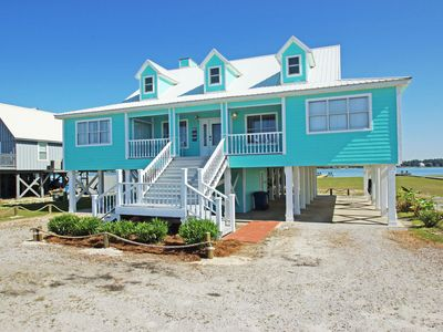 Photo for Beautiful Lagoon Front Home, Direct Beach Access, Quick online booking for activities!