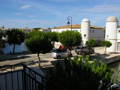 Photo for Marina with private garden in charming residence in Aigues Mortes.