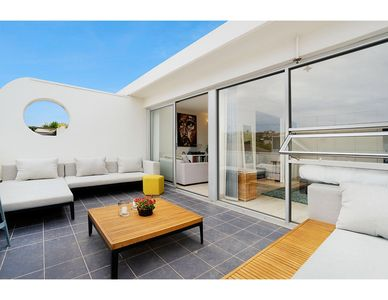 Photo for Sunny apartment with epic patio in heart of Bondi