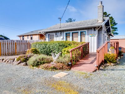 Photo for Family-friendly cottage 1/4 mile from the beach. (MCA #1213)