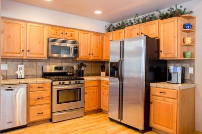Excellent Kitchen / Stainless Appliances / Keurig Coffee System