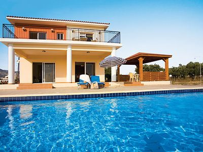 Photo for Modern Villa w/pool & lovely  views, a short drive from amenities