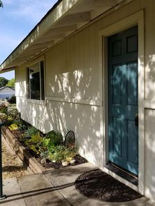 Photo for Charming Cottage / Guest House 2 miles from Downtown Napa