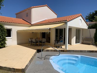 Photo for 3 bedroom house with private pool in a walled garden